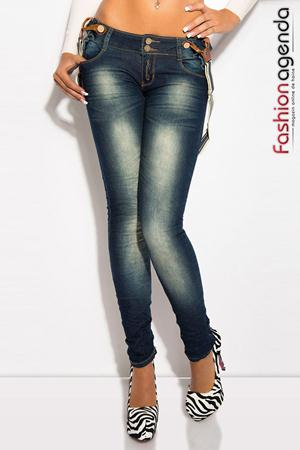 Jeans cu Bretele Beck