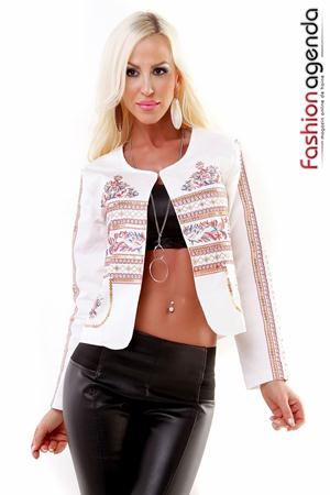 Blazer Alb Traditional de la fashionagenda.ro
